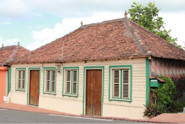 La Maison Creole En Bois Au Dela D Une Promesse Un Art De Vivre